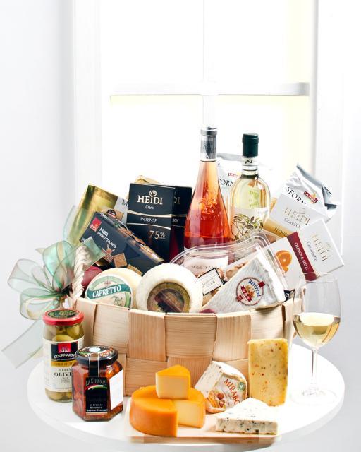 Gurmaniškas sūrių krepšelis (be alkoholio)