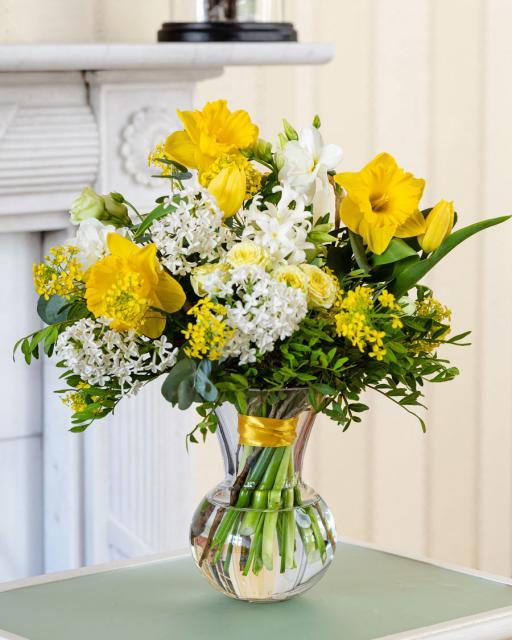 Pavasario dienos puokštė - iš šviežių gėlių