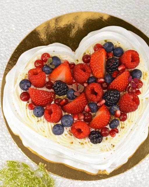 Širdies formos tortas Pavlova