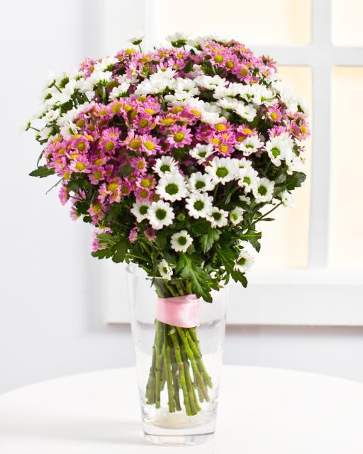 Красочный букет из хризантем