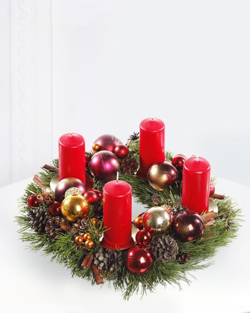 Kalėdinis vainikas su žvakėmis
