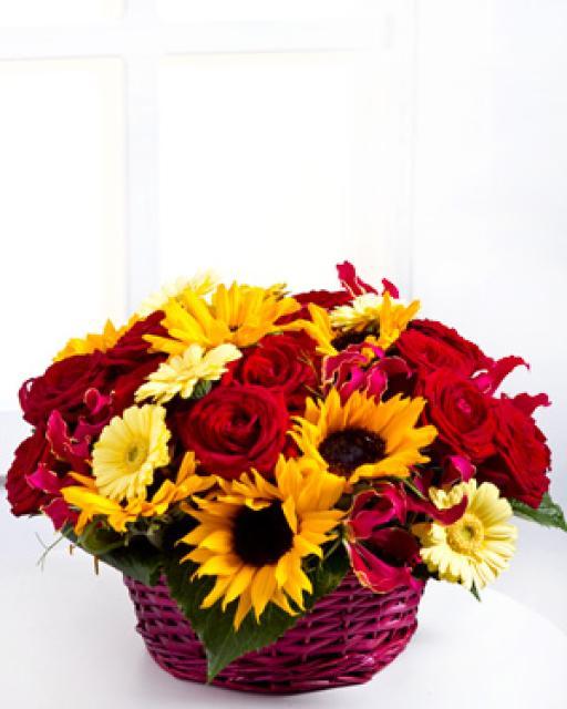 Skintų gėlių kompozicija