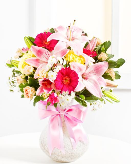 Rožinių atspalvių puokštė siurprizas