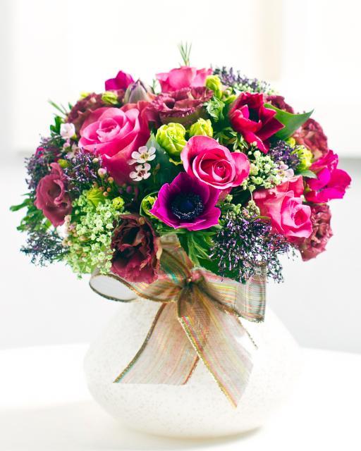 Apvali rožinių rožių puokštė